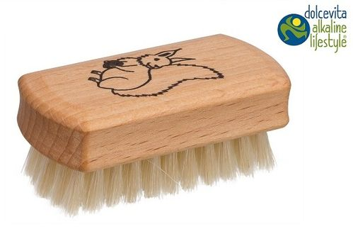 Nail brush for children with animal motifs